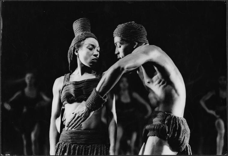 Rites of passage (Dunham) / Roger Wood, photographer.,Rites de passage (Choreographic work : Dunham), Digital ID 98F1567, New York Public Library