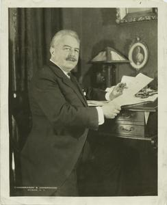 The Absence of Native, Basis for American Opera, Victor Herbert, 1859-1924, composer of popular music.