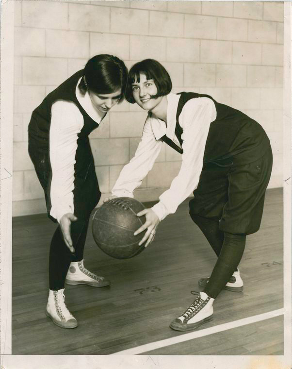 Girls' Basket Ball at the University of Illinois