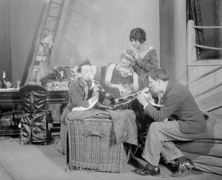 Margalo Gillmore (centre, seated) as Consuelo, Helen Westley (Zinida), Philip Leigh and Edgar Stehli (Tilly and Polly, musical clowns).
