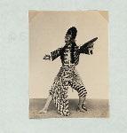 """Wayang wong, Mangkunagaran. Wayang wong performance at the court of Solo. Poses in the dance """"Bandalaya""""."""