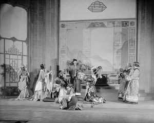 "Scene from ""Marco Millions"", Guild Theatre, 1928. Set and costumes designed by Lee Simonson. Margalo Gillmore (Kukachin), Baliol Holloway (Kublai), Dudley Digges (Chu-Yin), Alfred Lunt (Marco Polo), Ernest Cossart (Maffeo) and Henry Travers (Nicolo)."