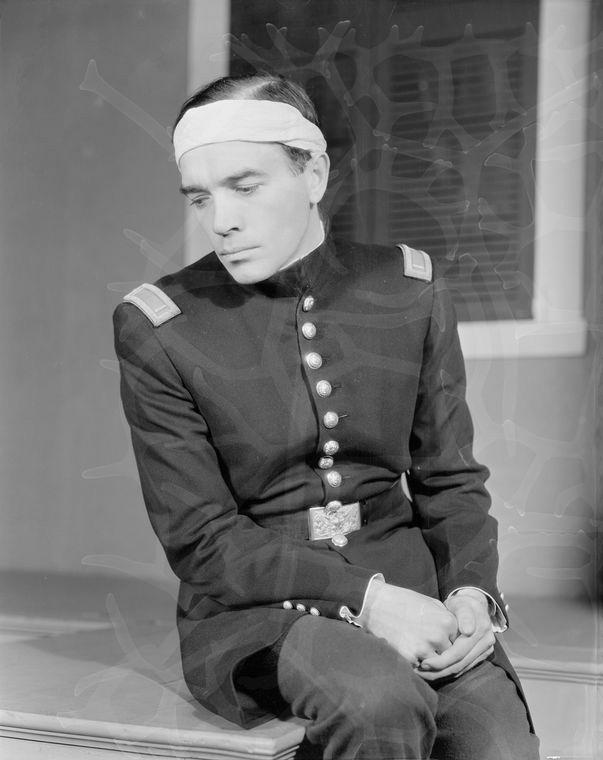 Walter Abel as Orin Mannon.