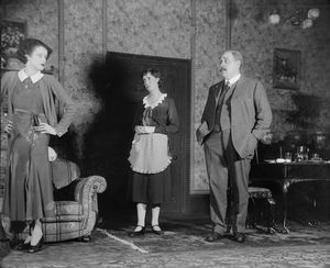 Elsa Lanchester as Winnie Marble, Charles Laughton as William Marble and Cicely Oates as Annie Marble.