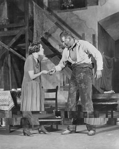 Evelyn Ellis (Bess) and Jack Carter (Crown).