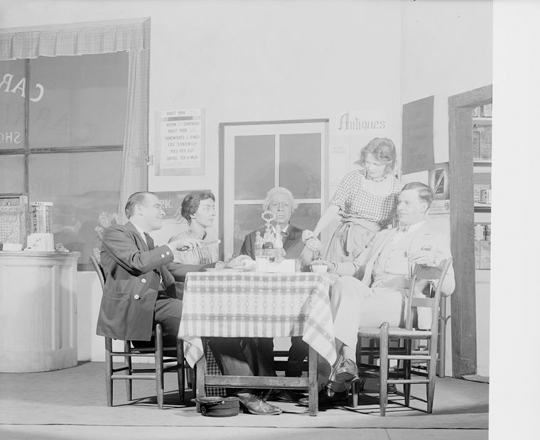 L to R: Earle Larimore (George Callahan), Clare Eames (Carrie Callahan), Albert Perry (Captain Ned McCobb), Margalo Gillmore (Jenny) and Alfred Lunt (Babe Callahan).