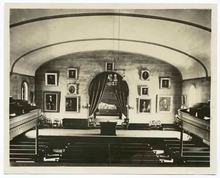 Lee's resting place in the Chapel of William and Mary College, Lexington, Va. : top centre, Jackson; left of door, Peale portrait of Geo. Washington as militia col. 1772 (?); right of door Lafayette in American uniform by C. W. Peale