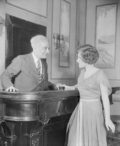 William Ricciardi as Tomaso Antiovi and Muriel Kirkland as Isabelle Parry.