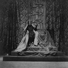 John Barrymore as Richard III (seated on throne).