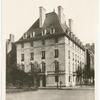 Home for Geraldyn Redmond and Countess De Langier [?] Villars.
