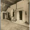 The hall, house of Mrs. L. C. Hanna, Cleveland, O. [Ohio].