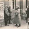 Der deutsche Kaiser bei Excellenz von Heeringen : der Kaiser begrüsst einige Generalstabsoffiziere. Im Hintergrund Prinz Heinrich v. Preussen.