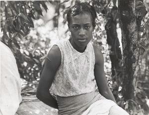 Cotton hoer near Clarksdale, Miss., June 1937.