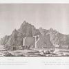 Tefah. Ansicht des nach Süden gelegenen Monuments, mit dem Granit Gebirge im Hintergrunde.