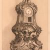 Chasy zolochenoi bronzy v Starom dvortse.