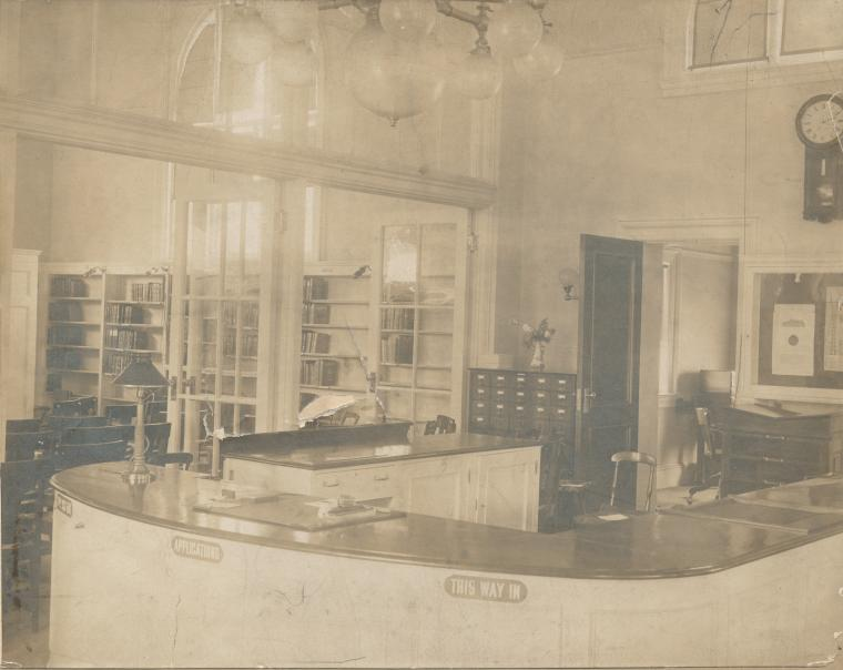 [Port Richmond, Desk.]