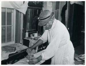 Mrs. Annie Albrittan, who does washing in her home in Woodville, Greene County, Georgia, November 1941.