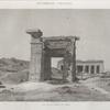 Denderah [Dandara] (Tentyris). Vue de la porte du nord.