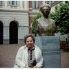 [Josephine Robin  in front of the Bust of Aletta Jacobs.]
