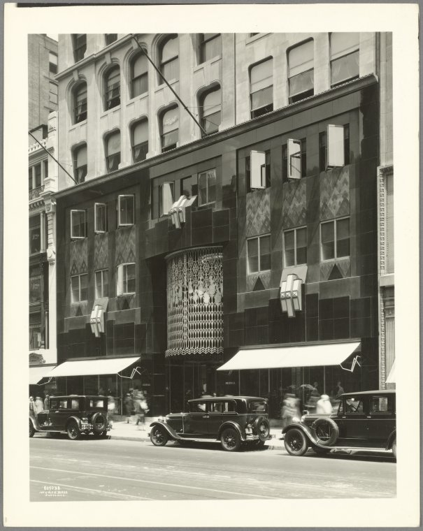 19 West 34th Street (Fifth Avenue - Sixth Avenue)