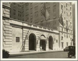 111 East 48th Street (Park Avenue - Lexington Avenue)