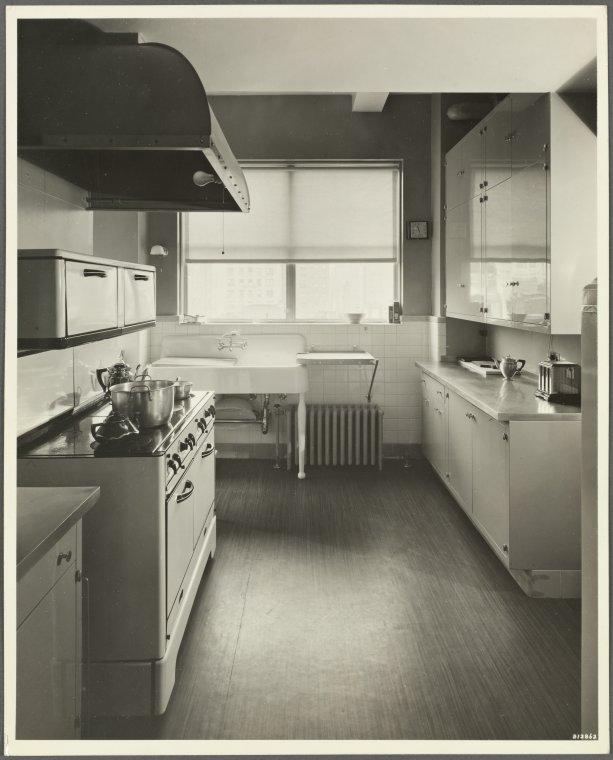 19 East 72nd Street - Madison ... Digital ID: 1558320. New York Public Library