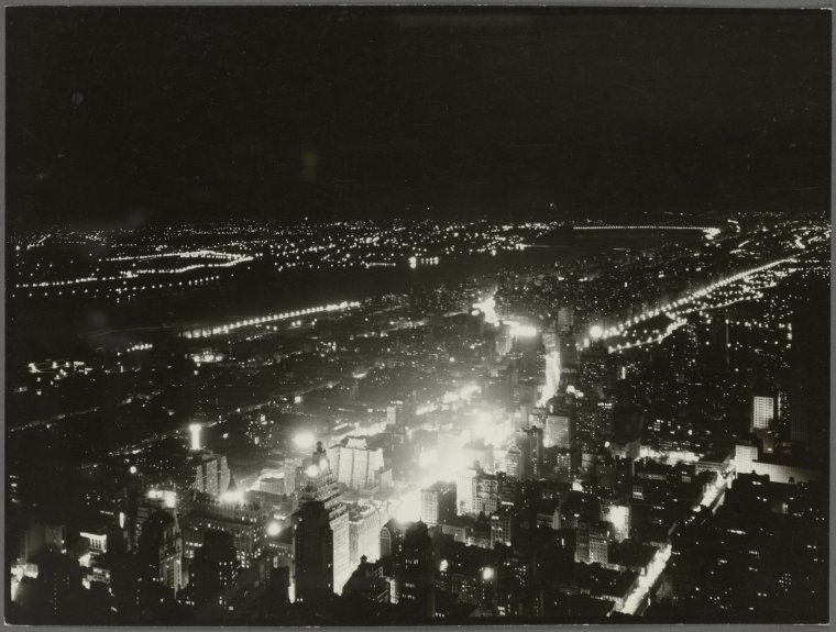 General View - Manhattan - Aerial view - Night view from Empire State Building - looking northwest