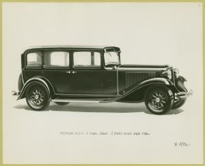 Chrysler eight 5-pass. sedan.