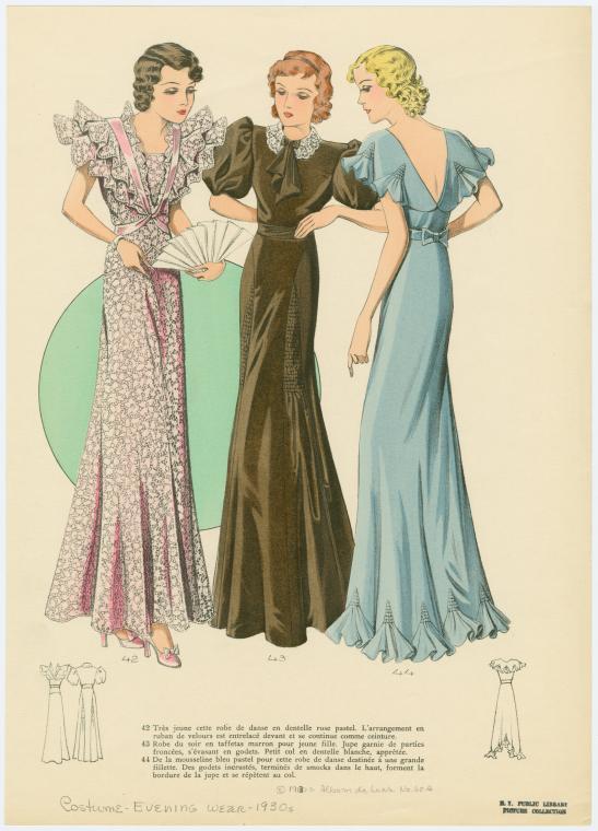 [Trois femmes portant des robes formelles.]