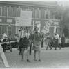 Craig Rodwell and women in picket line