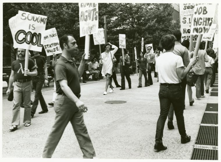 [Men in picket line] / Kay Tobin Lahusen