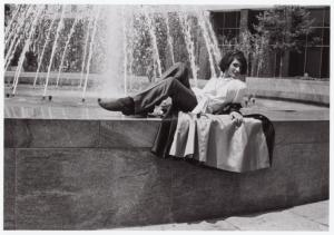 [Sylvia Rivera in front of fountain] / Kay Tobin Lahusen