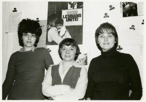 [Ellen Povill, Ruth Simpson, and Eileen Webb at the Daughters of Bilitis loft space, NYC] / Kay Tobin Lahusen