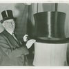 Max Fluegelman with world's largest top hat