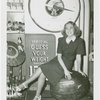 Woman and springless dial scale