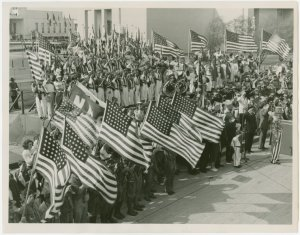 Special Days - I Am An American Day - Mass pledge of allegiance