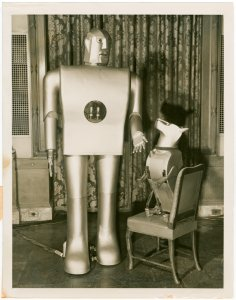 Westinghouse - Mechanical Man and Dog (Elektro and Sparko) - Elektro and Sparko