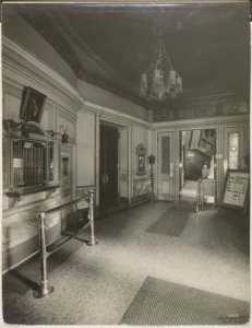 [Ticket office of Garden Theatre]