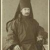 [A priest; fotografiia  G. Soberg v Arkhangelsk. On verso: Na pamiat N. V. Klestovu ot monakha Alimpiia. 12 iiunia 1909 goda, Solovki.]