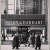 Horn & Hardart: exterior, pedestrians