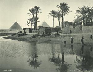 Le Caire: Kafr près des pyramides.
