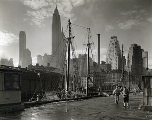 Fulton Street Dock, Manhattan skyline, Manhattan.