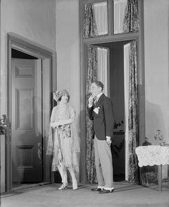 Lynn Fontanne as Eliza Doolittle and Charles Courtneidge as Freddy Hill.
