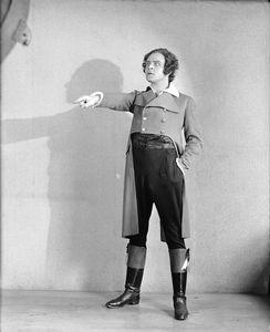 Paul Hartmann as Danton.