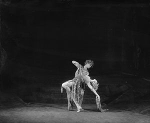 "[Choreographic duet from the ""Midsummer night's dream.'.]"