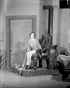 "Lynn Fontanne as Mrs. Jennifer Dubedat in Shaw's ""Doctor's dilemma,""  NYC. 1927."