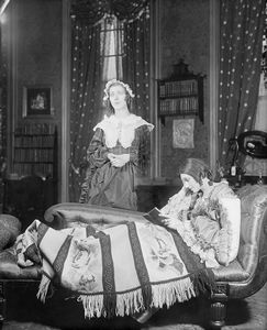 Katharine Cornell (Elizabeth Barrett) and Brenda Forbes (as Wilson, the maid).