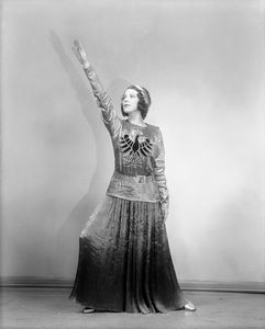 Tillie Losch in The Band Wagon (1931). Costume by Kiviette.