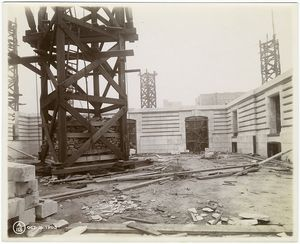 [Interior work : construction of walls.]