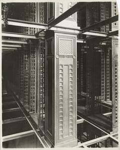 [Interior work : construction of the stacks.]